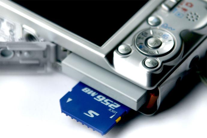 Как выбрать карту памяти для фотоаппарата