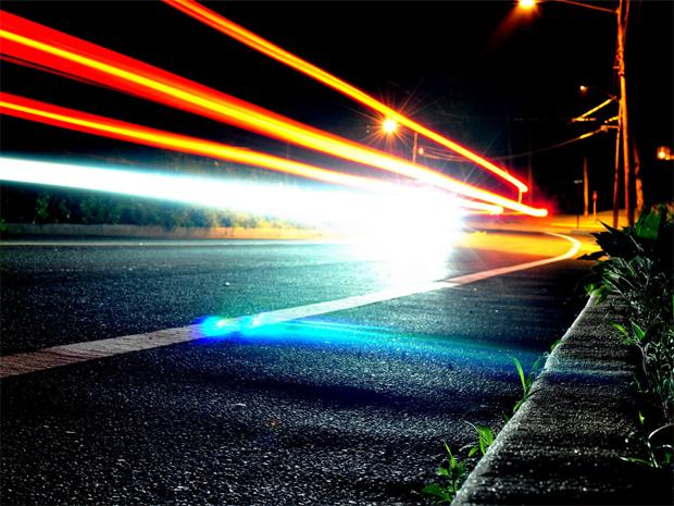 Как фотографировать следы автомобильных фар